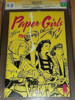 Girles De Papier #1 Cgc 9.8 Série De Signature Signé X 4